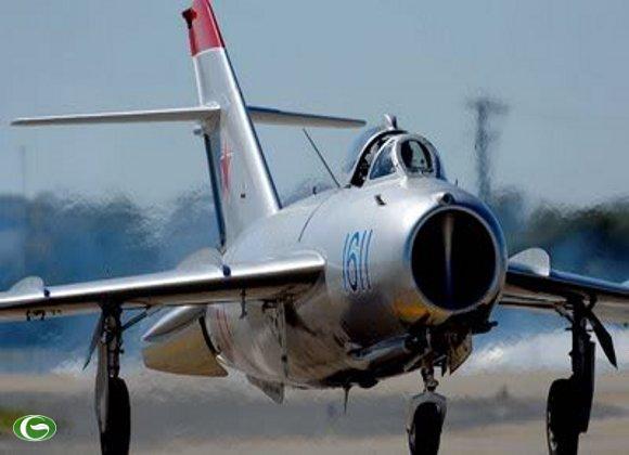 Máy bay Mig-17 chỉ được trang bị 2 khẩu pháo 23 và 37mm