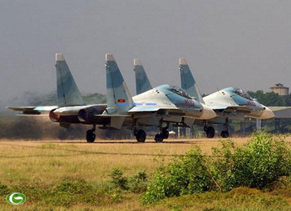Máy bay chiến đấu đa năng SU-30
