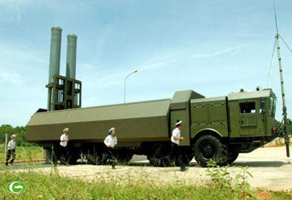 Tổ hợp tên lửa phòng thủ bờ biển Bastion P của Việt Nam trang bị tên lửa đối hạm siêu âm Yakhont.
