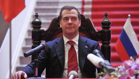 Thủ tướng Nga Dmitri Medvedev lạc quan với khả năng Nga quay lại Cam Ranh