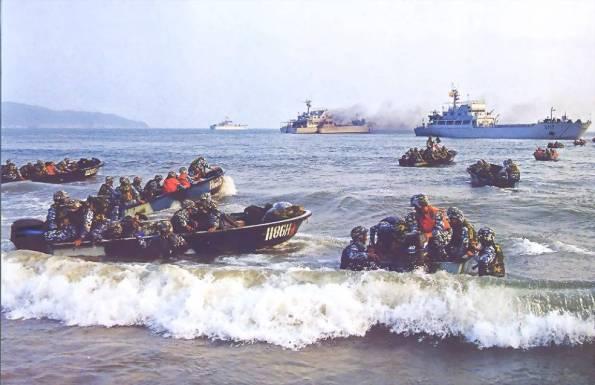 Hải quân đánh bộ Trung Quốc sử dụng tàu xung phong đổ bộ lên bờ