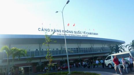 Nga mở đường bay tới Vịnh Cam Ranh