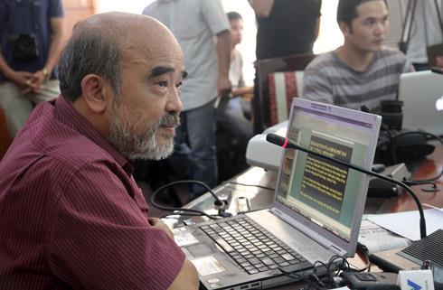 Ông Đặng Hùng Võ trong cuộc đối thoại ngày 8/11. Ảnh: Nguyễn Hưng.