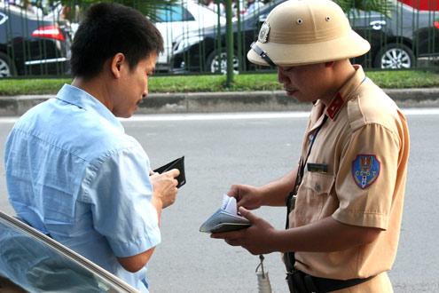 Cảnh sát được cho là đã xử lý sai lệch khi truy cứu người điều khiển có phải chủ phương tiện không