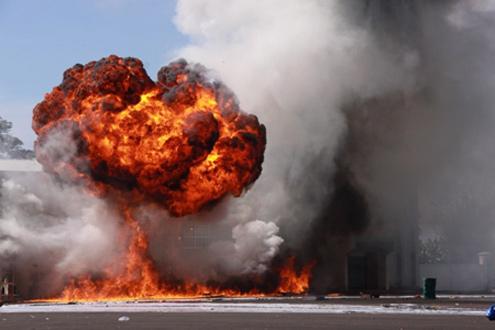 Nổ bom hóa học tại khu vực nhà ga