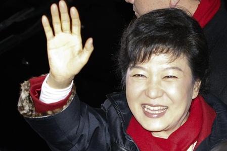 Bà Park Geun-hye đã đăc cử tổng thống Hàn Quốc, với đa số quá bán đầu tiên kể từ năm 1987. Ảnh newsdaily.com