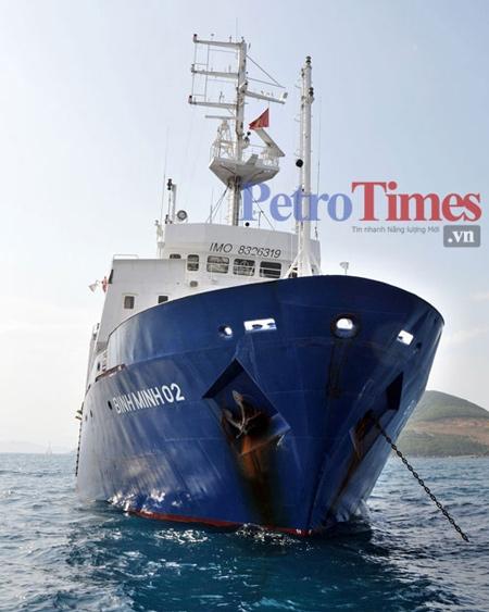 Tàu Bình Minh 02 cập cảng Tiên Sa (Đà Nẵng) chiều 5/12 sau sự cố bị tàu cá TQ làm đứt cáp thăm dò địa chấn.