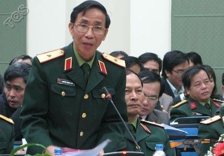 Thiếu tướng Nguyễn Thanh Tuấn phát biểu tại hội thảo.