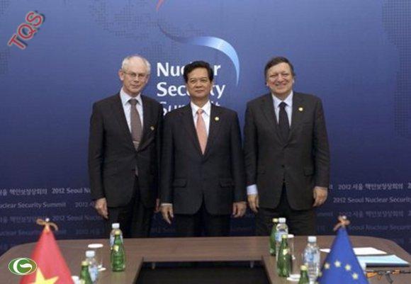 Thủ tướng Nguyễn Tấn Dũng gặp Chủ tịch Hội đồng châu Âu và Chủ tịch Ủy ban châu Âu