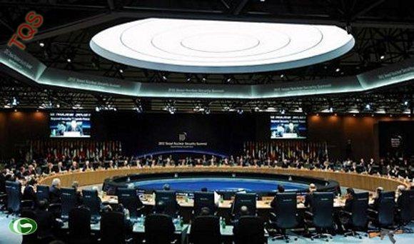 Toàn cảnh Hội nghị an ninh hạt nhân ở trung tâm COEX. Thủ tướng Nguyễn Tấn Dũng và các lãnh đạo từ gần 60 quốc gia đã tề tựu tại hội nghị để bàn về các biện pháp nhằm ngăn chặn khủng bố hạt nhân.