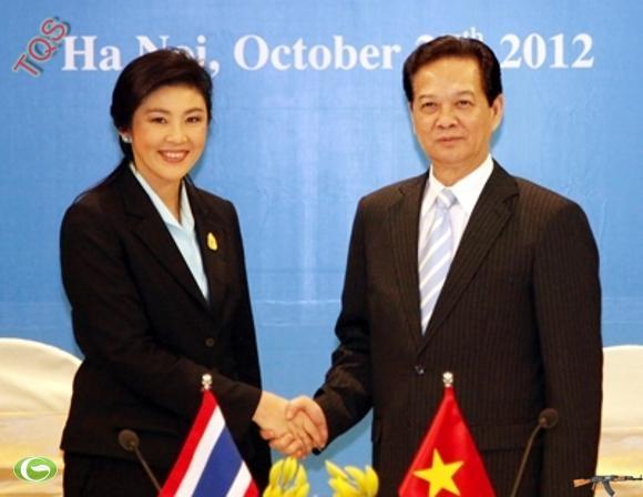 Thủ tướng Chính phủ Hoàng gia Thái Lan Yingluck Shinawatra cùng Thủ tướng Chính phủ Nguyễn Tấn Dũng đồng chủ trì cuộc họp Nội các chung hai nước