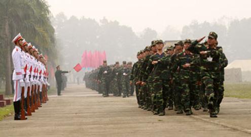 Khối các đơn vị tham gia duyệt đội ngũ.
