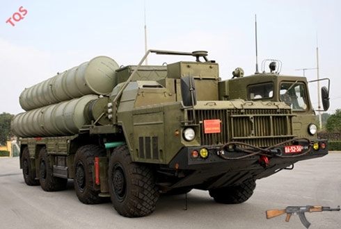 Xe mang phóng tự hành 5P85SE ở chế độ sẵn sàng chiến đấu. Ảnh: Tiền Phong.