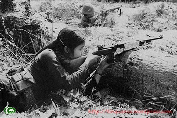 Tuy còn nhỏ bé, nhưng dân tộc Viêt Nam luôn kiên cường