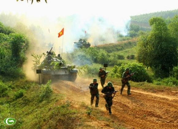 Bộ đội Việt Nam diễn tập quân sự lớn nhất từ 1975