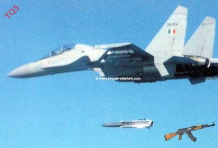 Tên lửa chống tàu siêu thanh Kh-31A phóng từ máy bay Su-30.