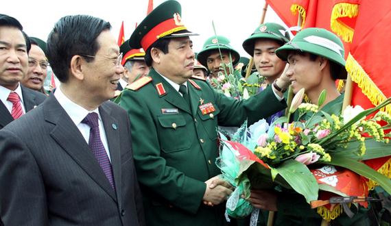 Đại tướng Phùng Quang Thanh động viên tân binh tại quận Ba Đình, Hà Nội