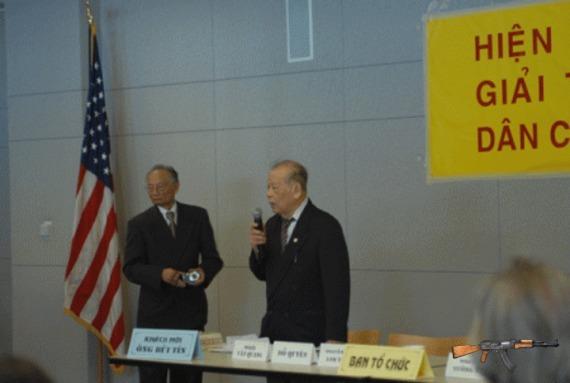 Bùi Tín bị chất vấn tại San Jose (Mỹ) ngày 23/6/2012