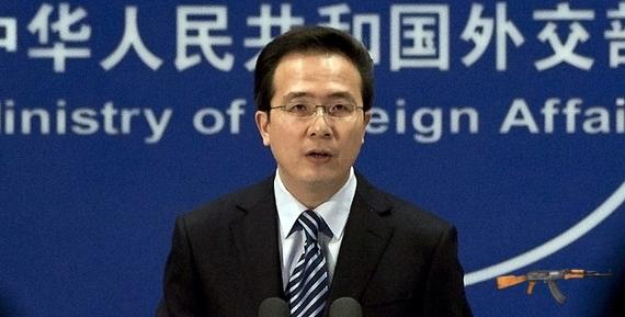 Người phát ngôn Bộ Ngoại giao Trung Quốc Hồng Lỗi đã trắng trợn chối bỏ hành động vô nhân đạo của phía Trung Quốc khi nổ súng bắn tàu cá Việt Nam đang hoạt động bình thường trong lãnh thổ Việt Nam