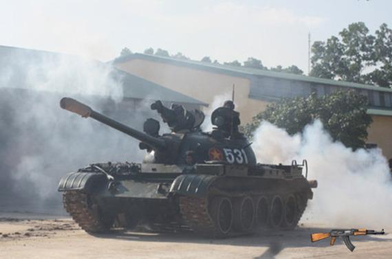 Xe tăng chiến đấu chủ lực T-54/55 của Việt Nam.