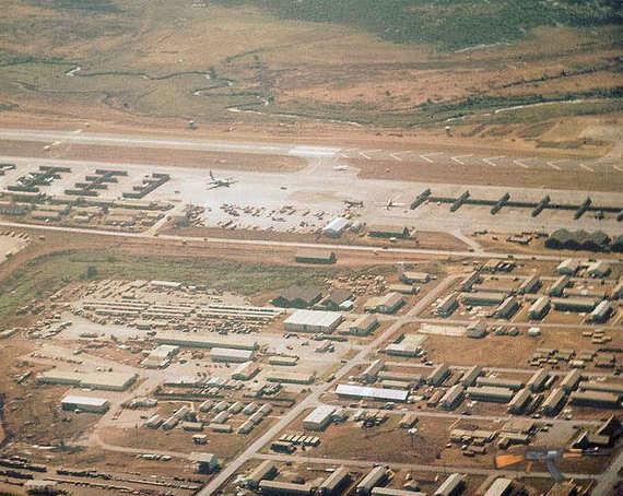 Sân bay Pleiku còn gần như nguyên vẹn.